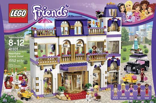 LEGO-Bambina-Grand-Hotel
