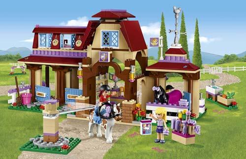 LEGO-Bambina-circolo-equestre