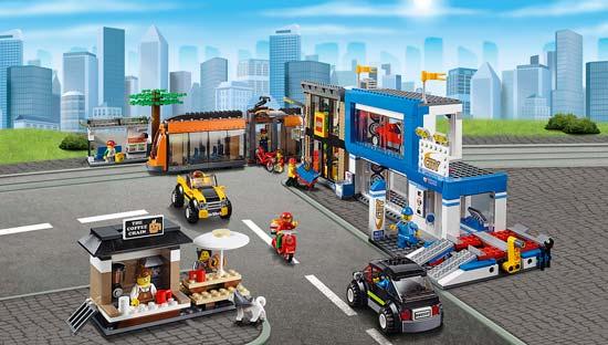 Lego-Polizia-piazza