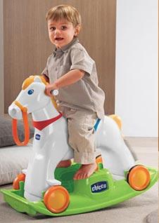 cavallo a dondolo plastica-legno